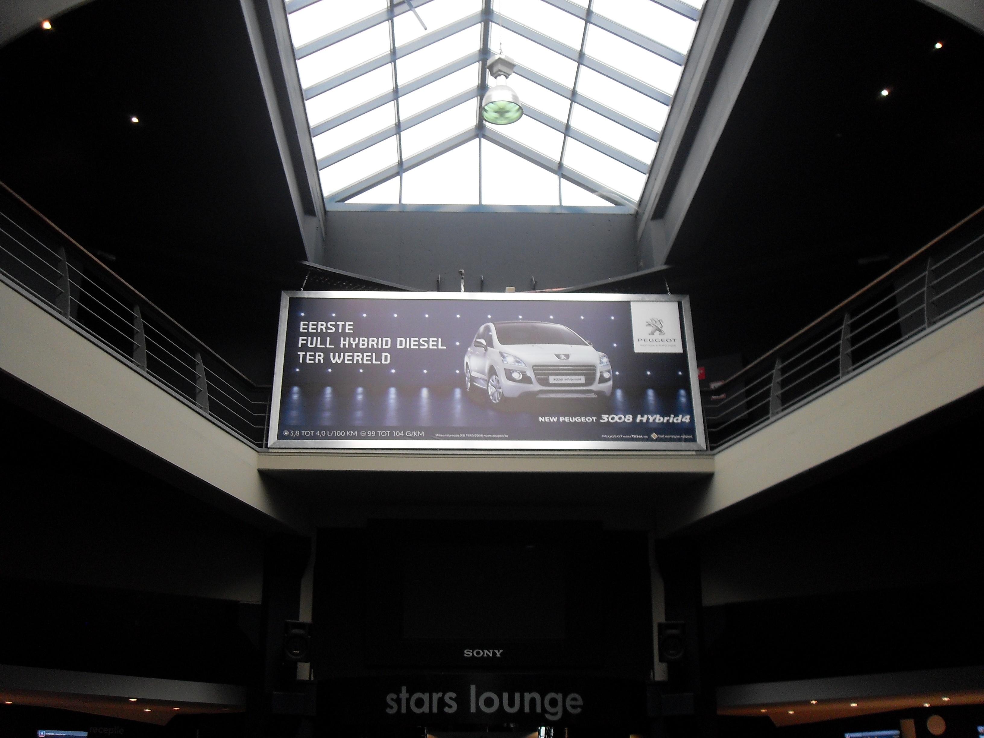 Cinestar_Peugeot_HR_06.jpg